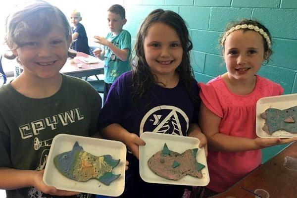 pottery 3 girls